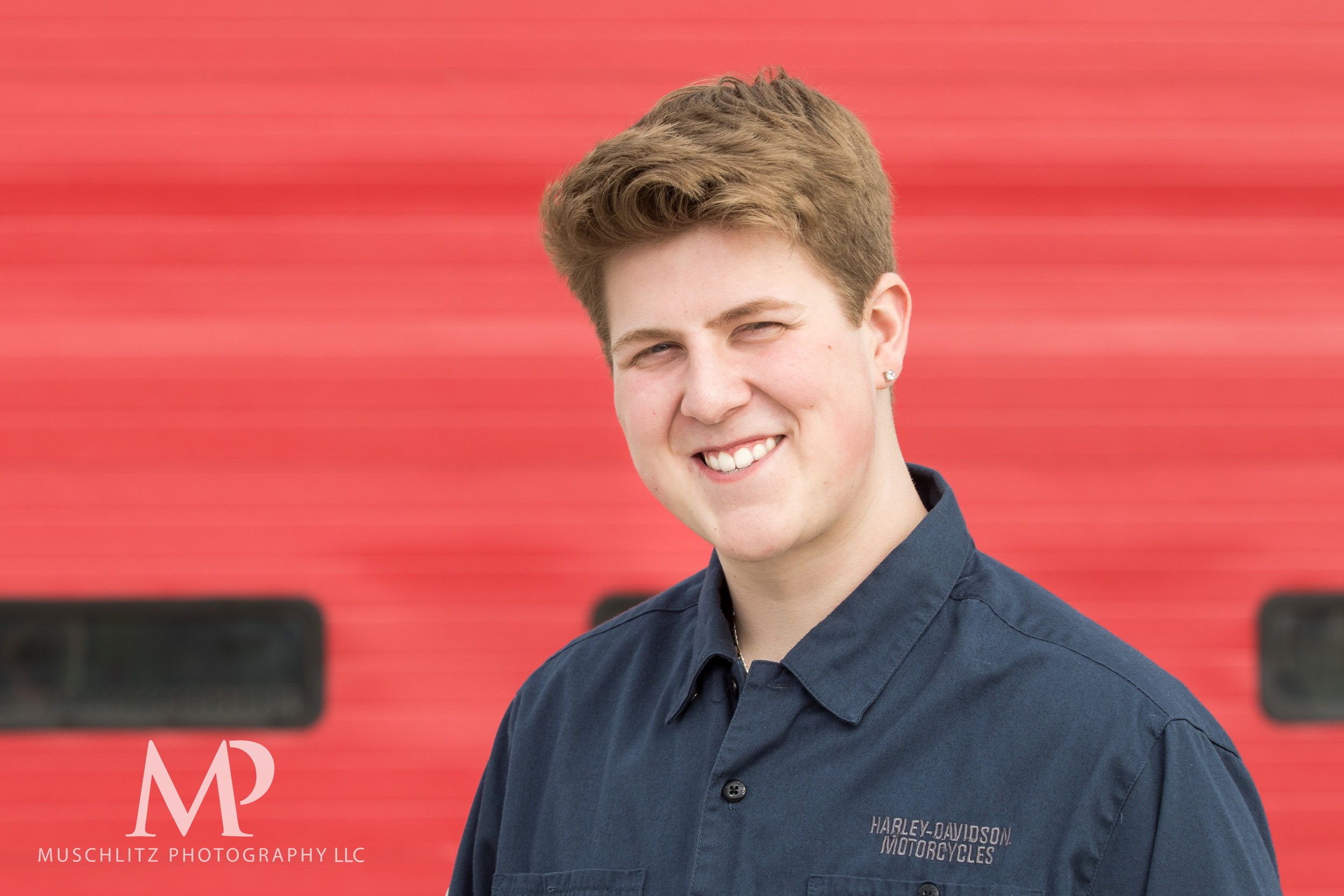 senior-portrait-fire-station-fireman-gahanna-columbus-photographer-studio-011.JPG