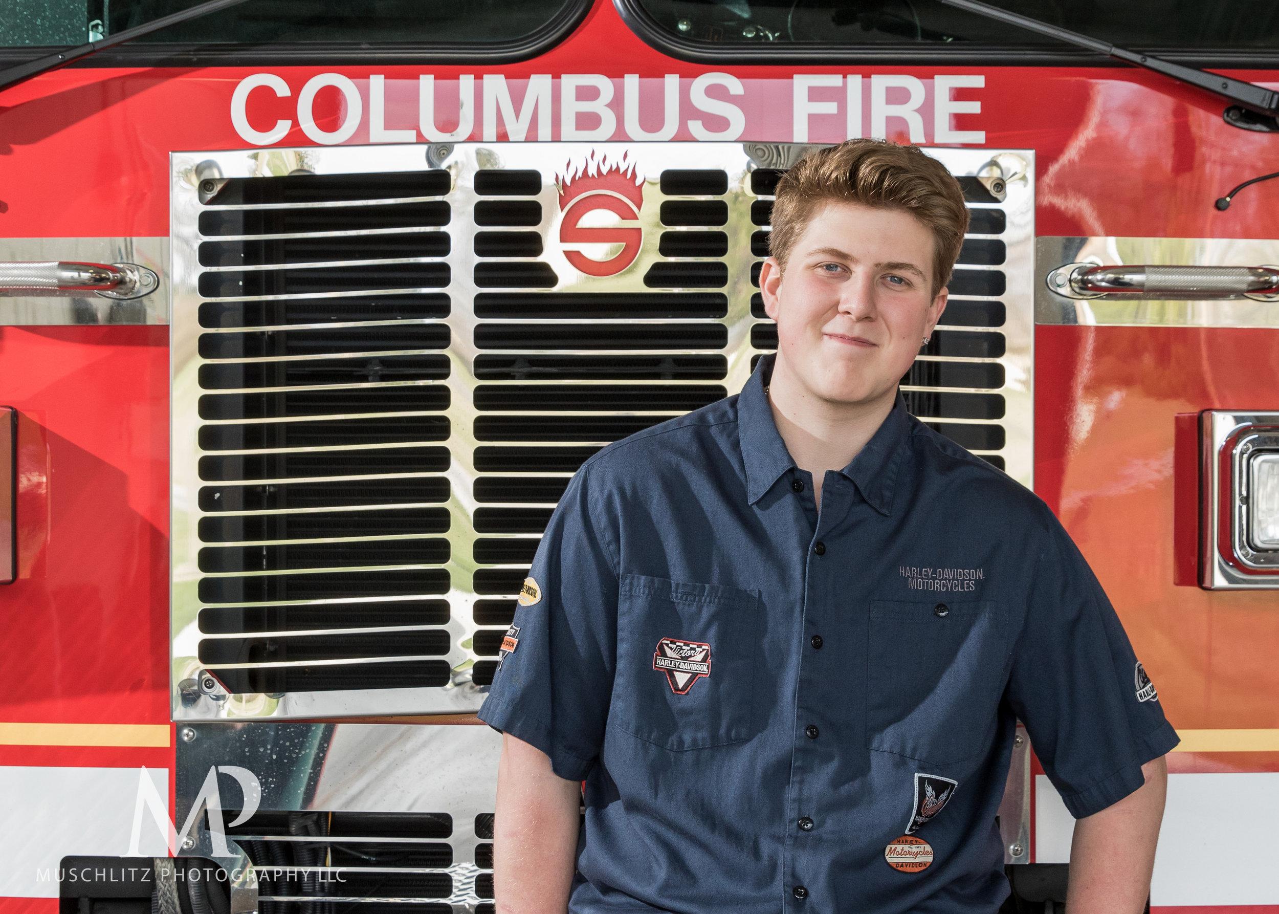 senior-portrait-fire-station-fireman-gahanna-columbus-photographer-studio-013.JPG
