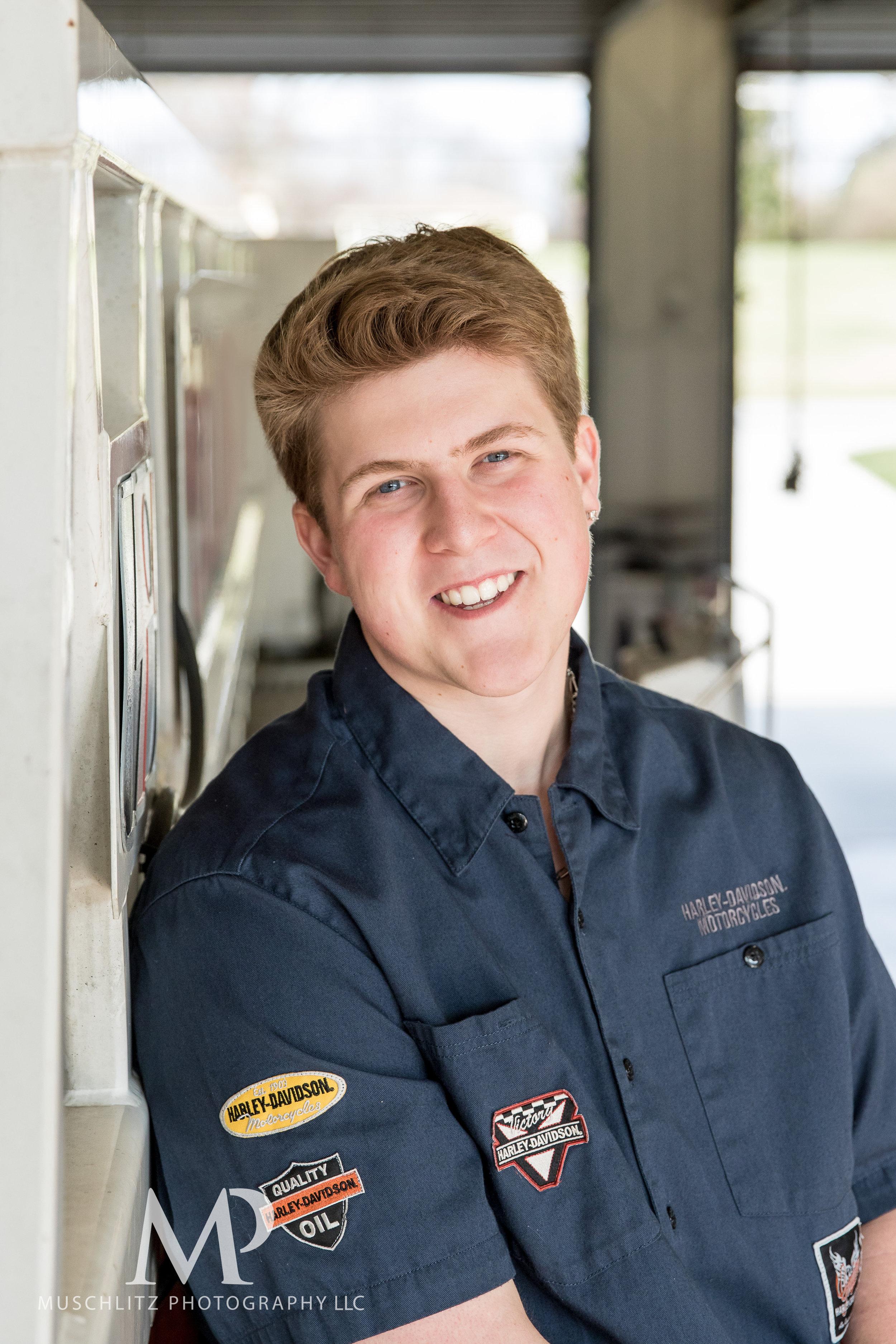 senior-portrait-fire-station-fireman-gahanna-columbus-photographer-studio-016.JPG