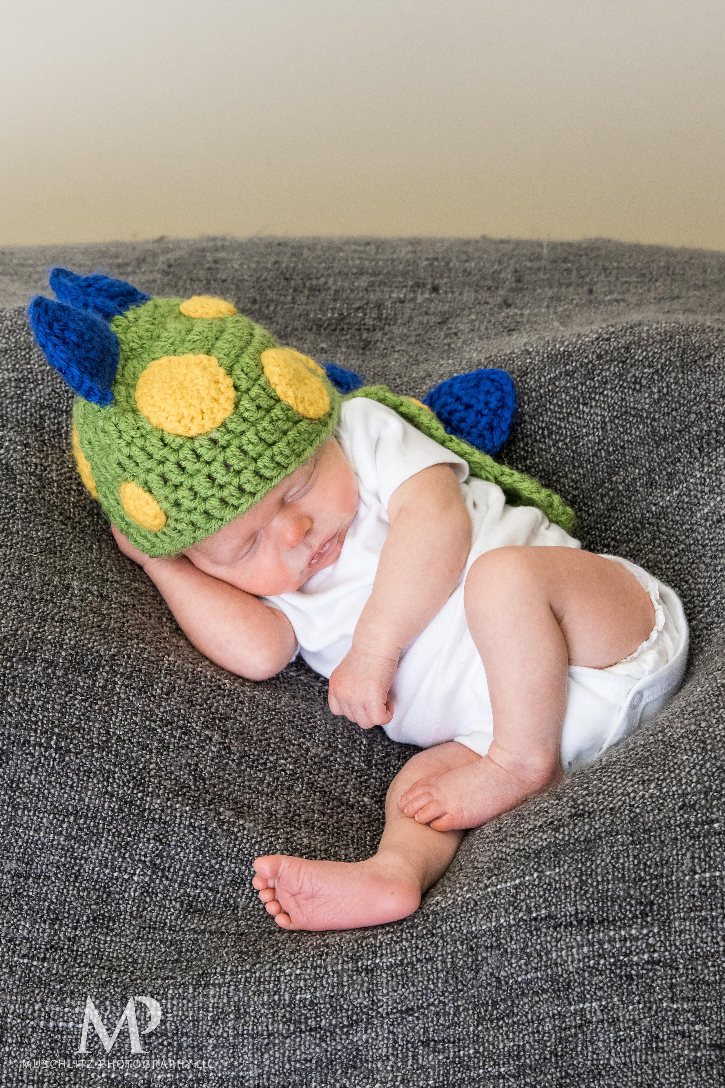 newborn-baby-portraits-photos-studio-holiday-columbus-gahanna-ohio-muschlitz-photography-028.JPG