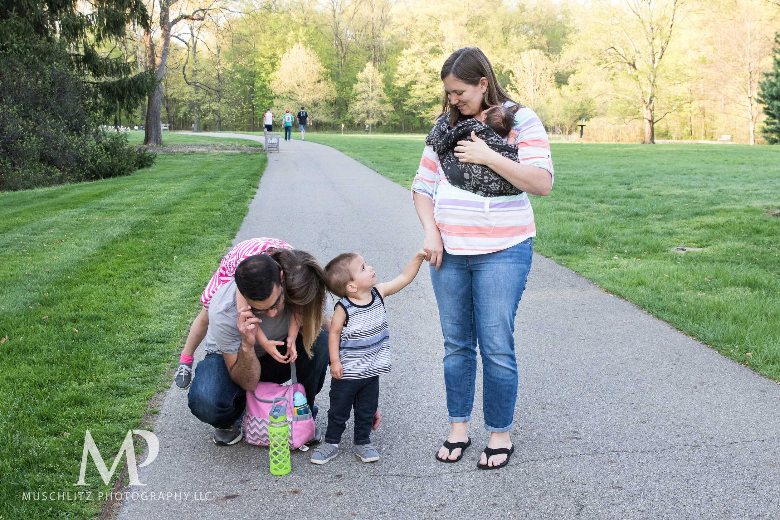 newborn-baby-family-portrait-session-spring-inniswood-metro-gardens-columbus-ohio-025.JPG