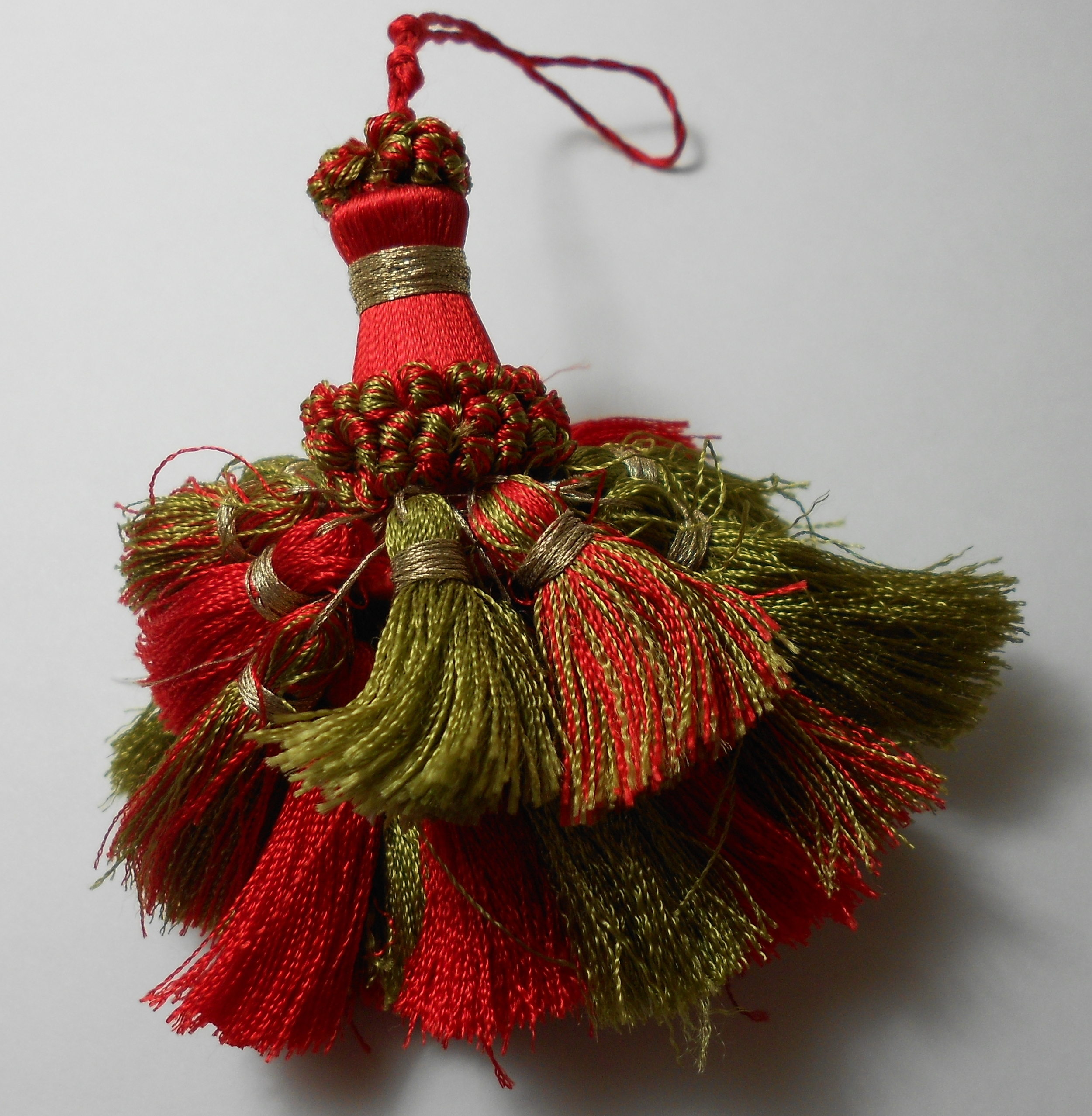 red green key tassel.jpg