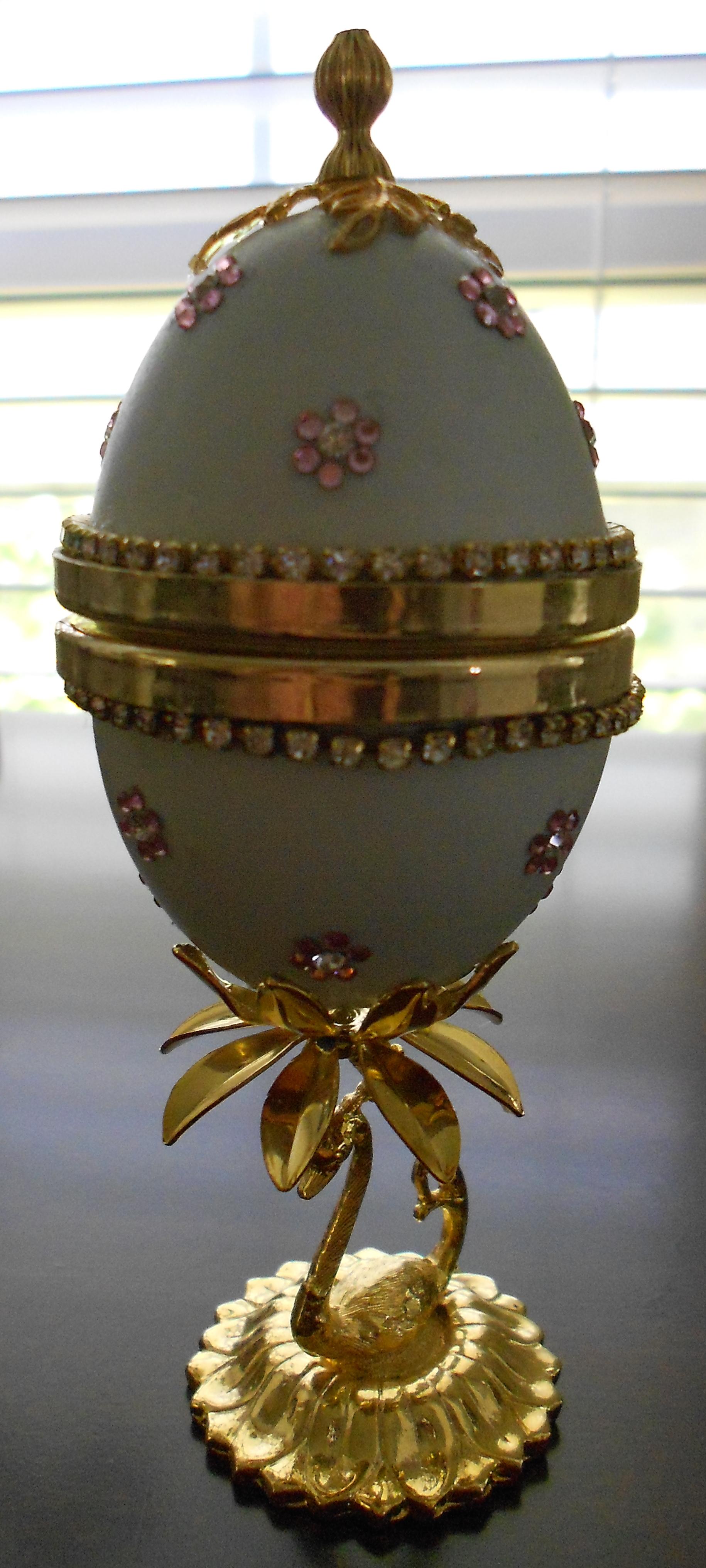 hinged blue duck egg box.jpg