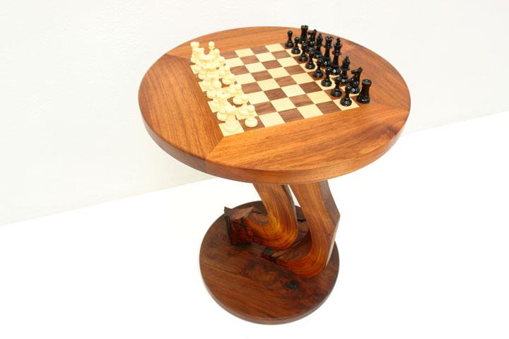 chesstable4[1].jpg