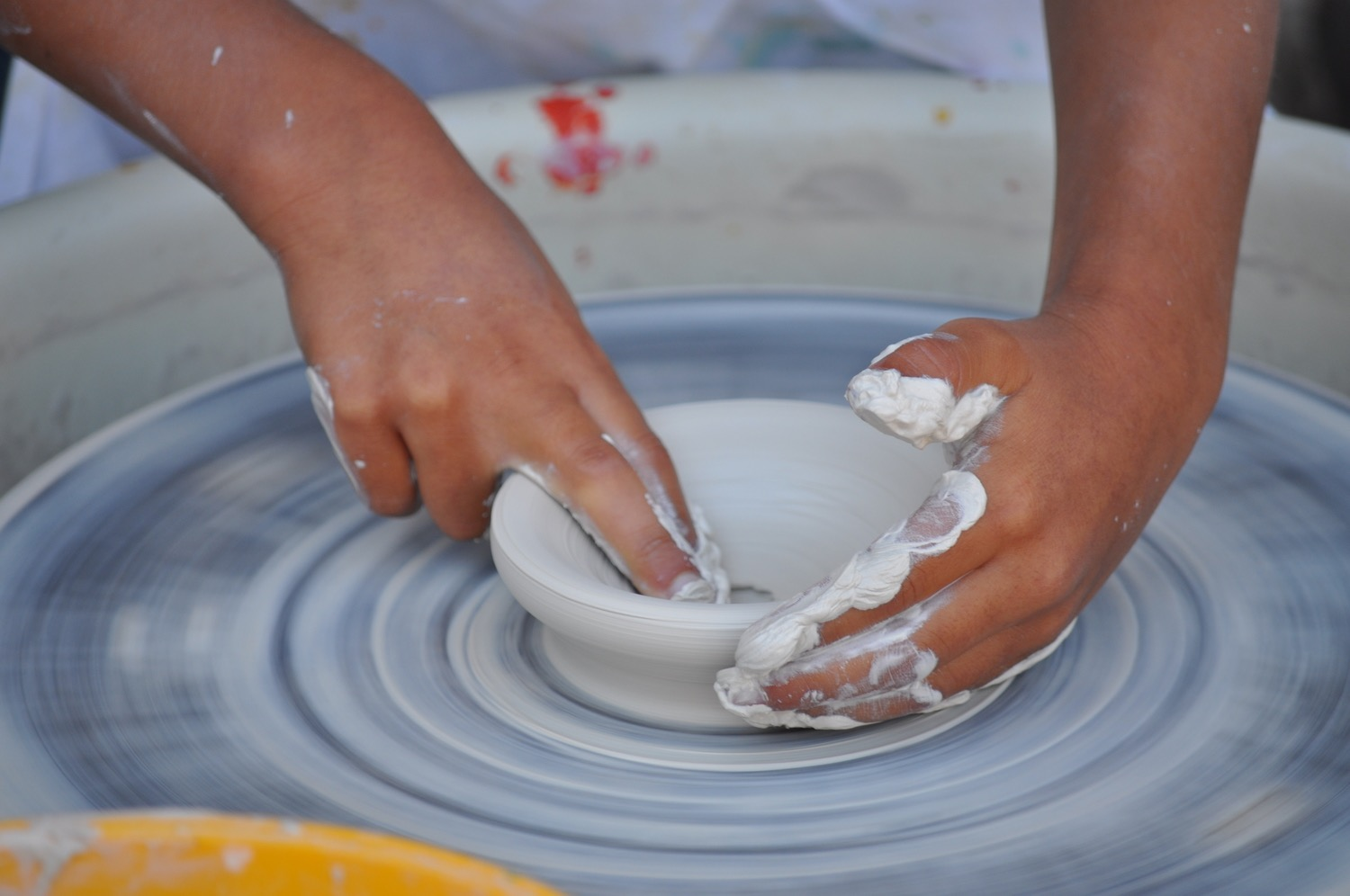 wheel throwing pottery class