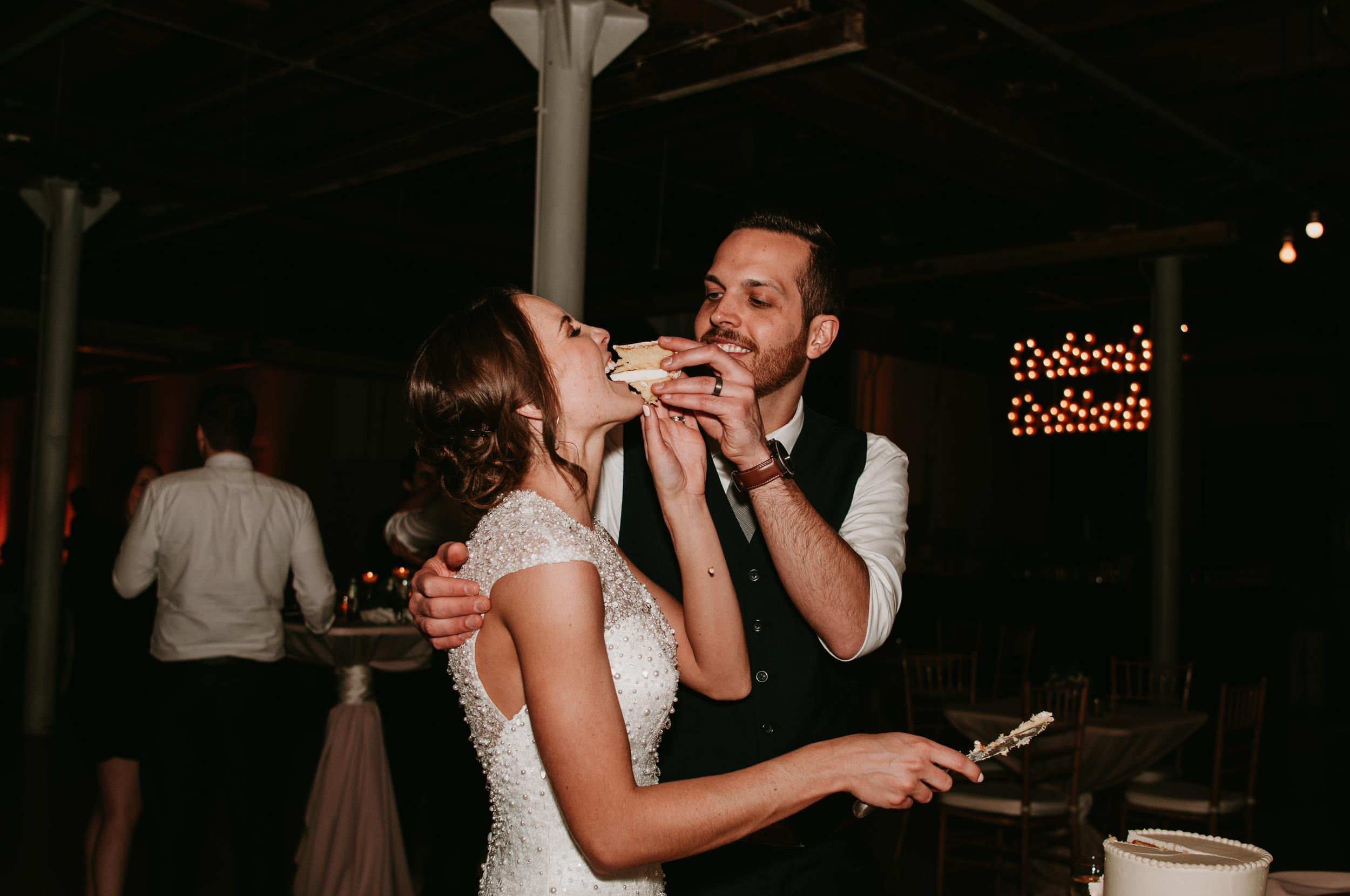 smash the wedding cake