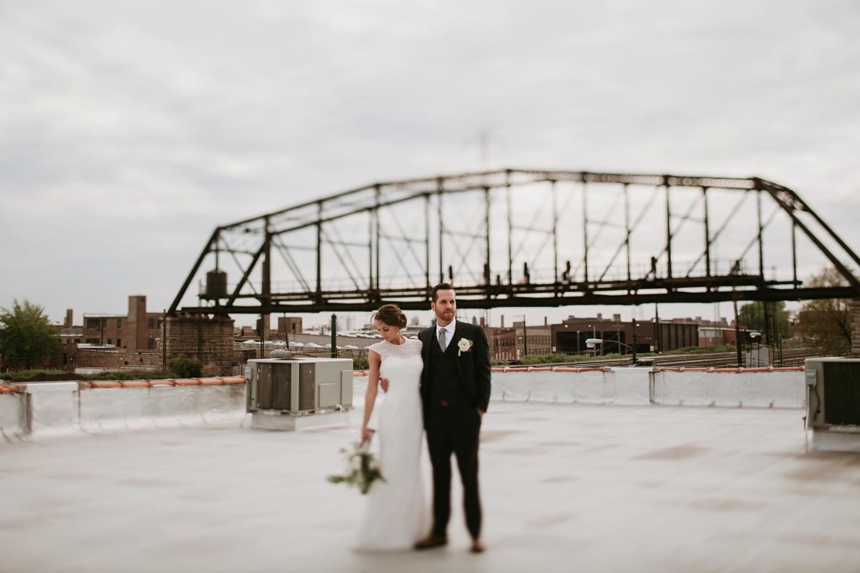 kenmare loft chicago rooftop wedding ceremony