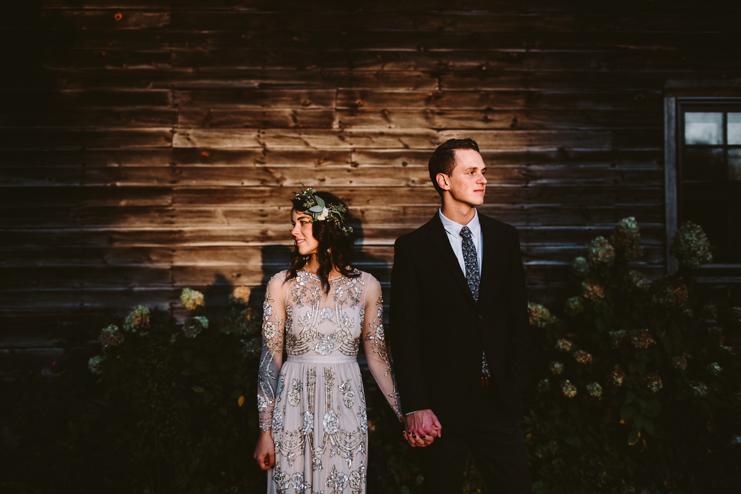 moody wedding photos with midwest wedding photographer