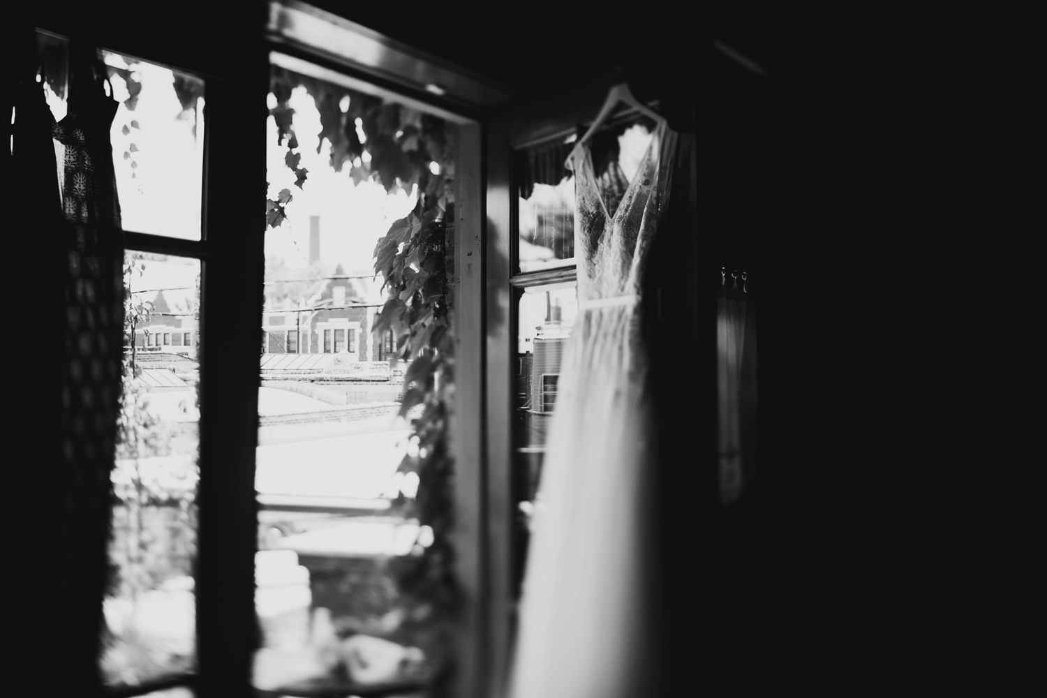 bhldn lace dress at chicago venue