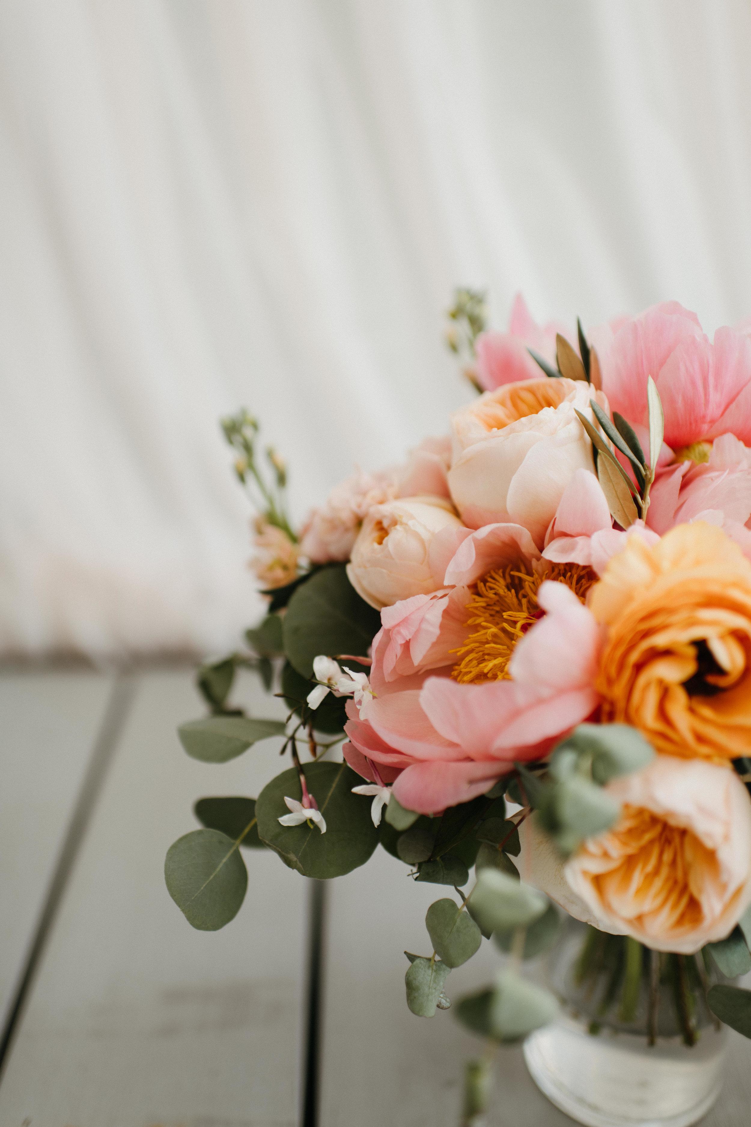 Elizabeth and Aldens Intimate Backyard wedding in Nashville Tennessee Wedding Photographer00048.jpg