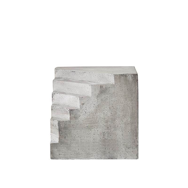 StudioGabrielle_FayeToogood_StairSculpture_KristinaDam