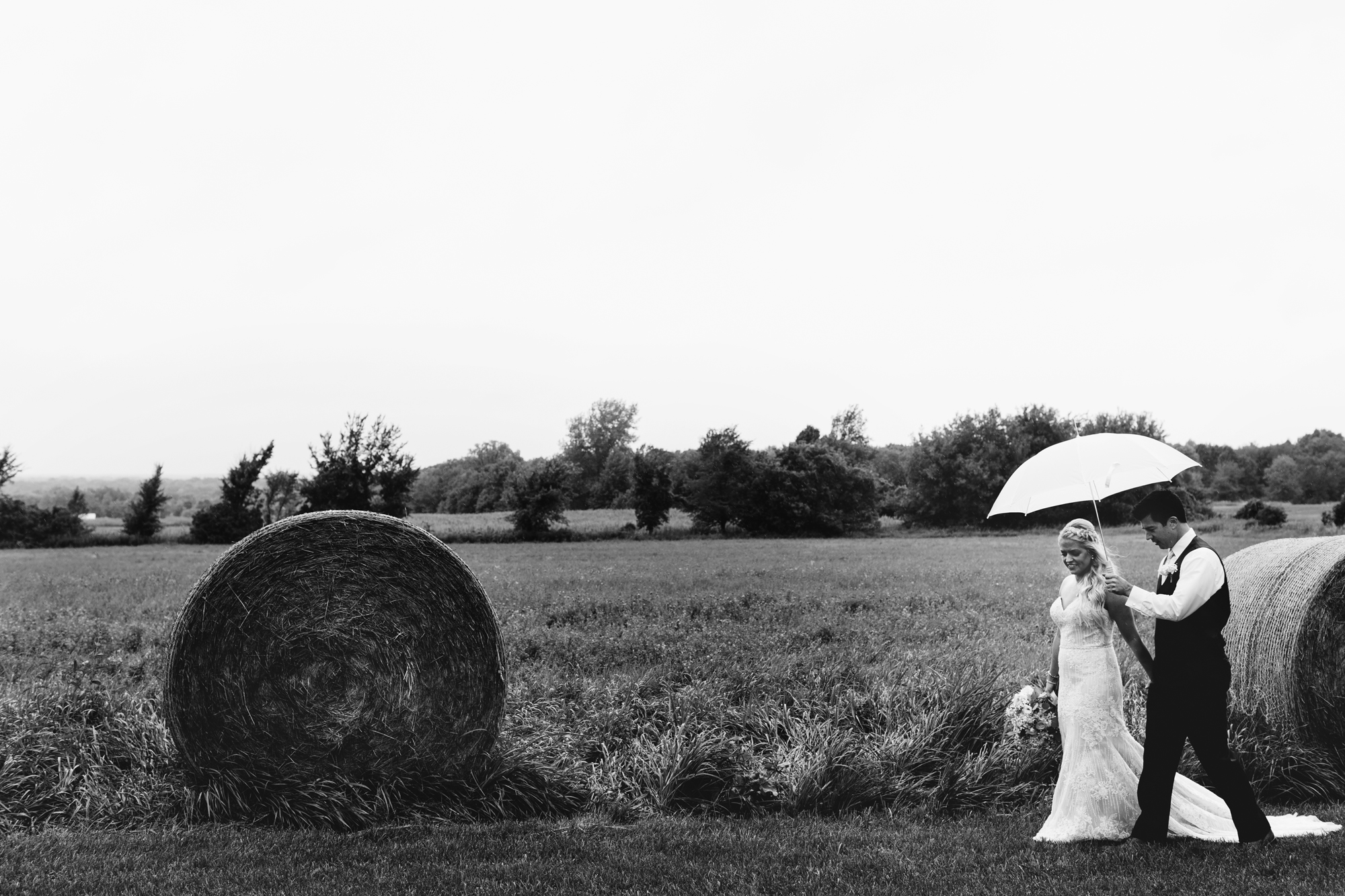 Maple Ridge Farm Wedding Taylors Falls, MN | Photography by Jess Ekstrand | Rivets & Roses