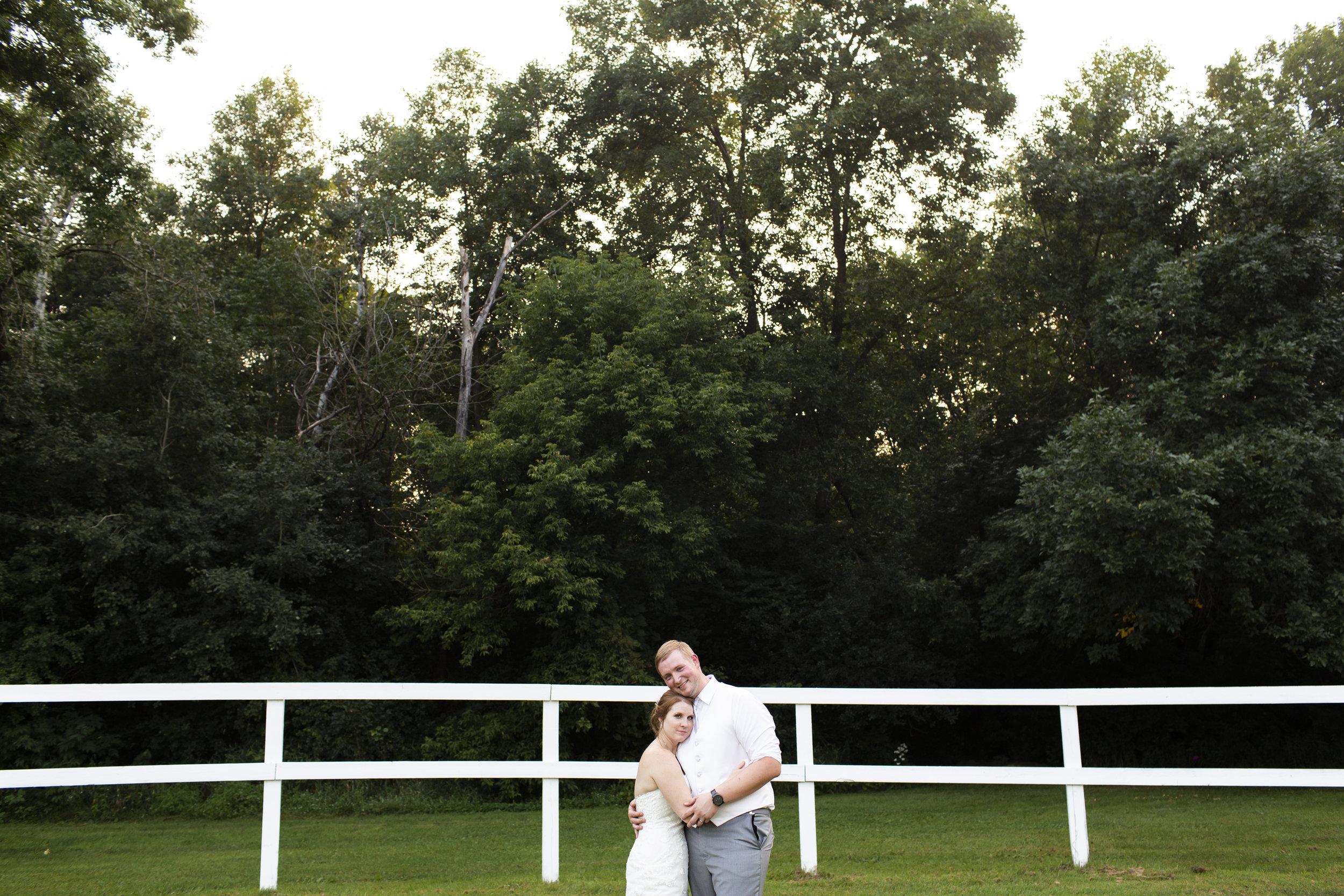Forest Lake MN Wedding | Photography by Jess Ekstrand | Rivets & Roses