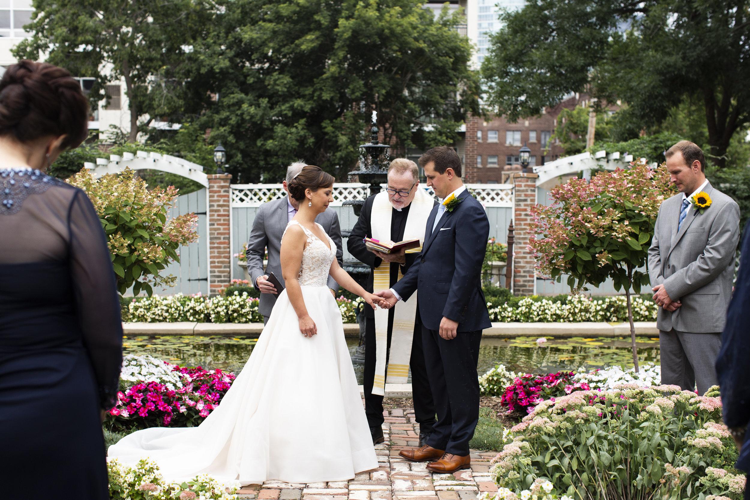 300 Clifton Wedding Minneapolis, MN | Photography by Jess Ekstrand | Rivets & Roses