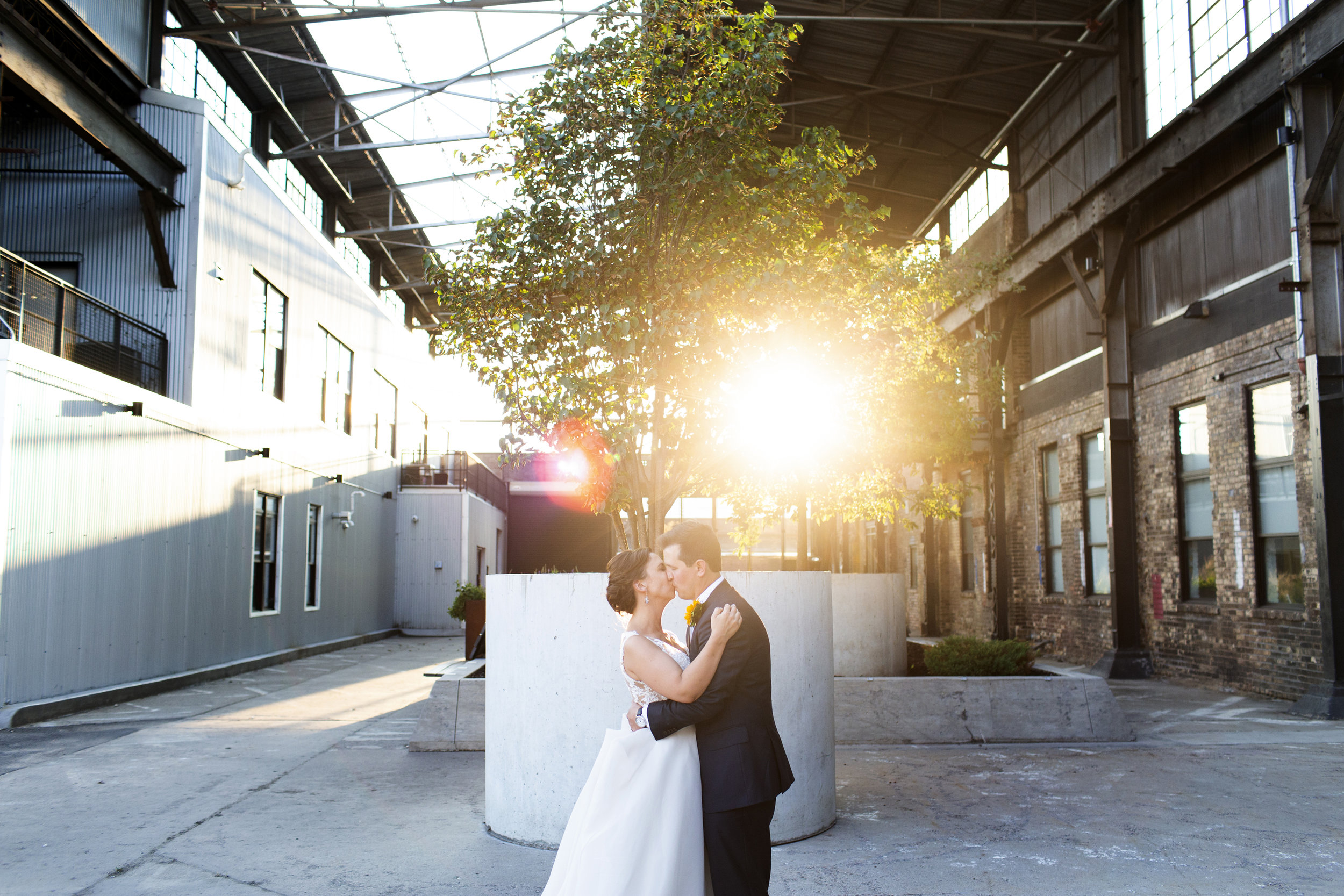Bauhaus Brew Labs Wedding Reception Minneapolis, MN | Photography by Jess Ekstrand | Rivets & Roses