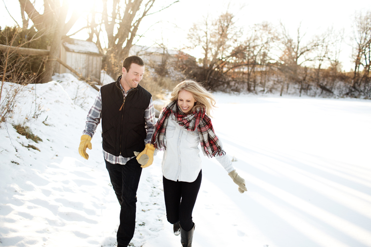 Krueger_Tree_Farm_Engagement_ShampBlog_0013