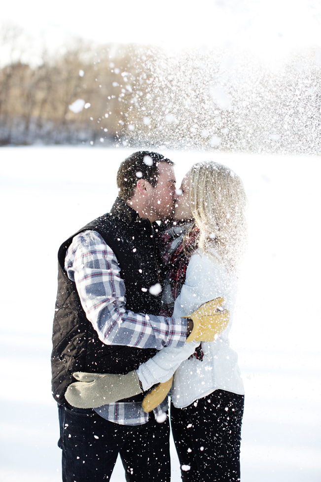 Krueger_Tree_Farm_Engagement_ShampBlog_0017