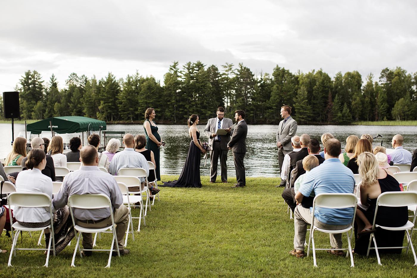 Northern MN Wedding | Minneapolis Wedding Photographer | Photos by Photogen Inc. | Eliesa Johnson | Based in Minneapolis, Minnesota