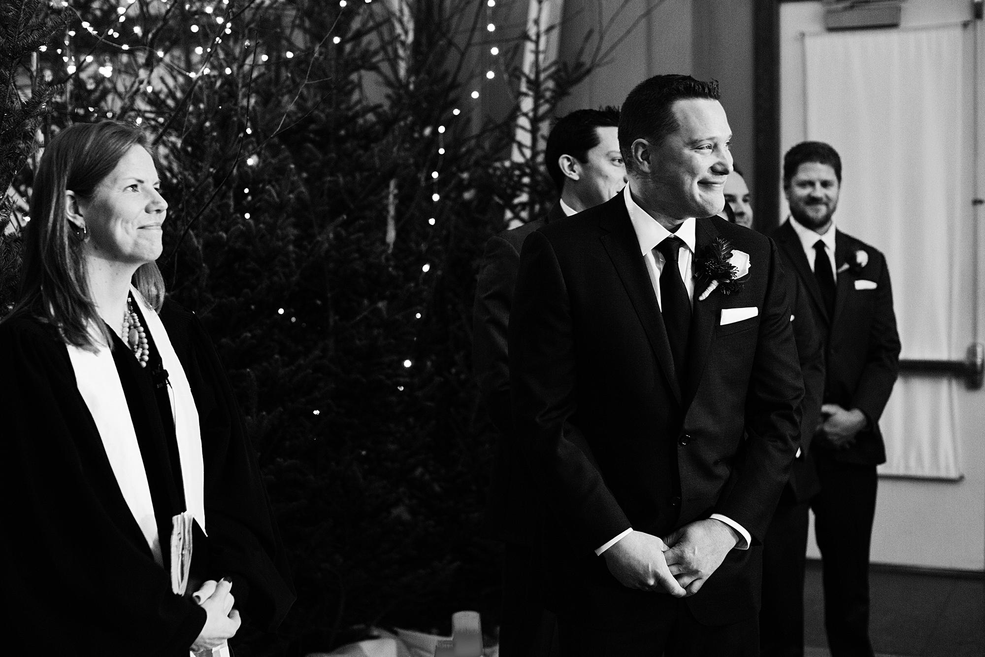 Calhoun Beach Club Wedding Photos | Wedding Photographer | Photogen Inc. | Eliesa Johnson | Minneapolis, Minnesota