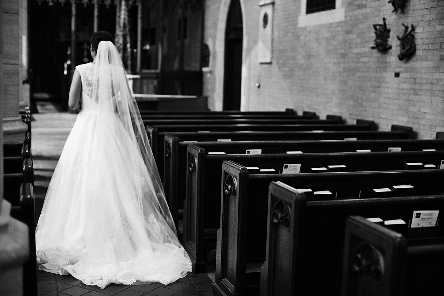 St. Mark's Episcopal Cathedral Wedding Photos | Photography by Photogen Inc. | Eliesa Johnson | Based in Minneapolis, Minnesota