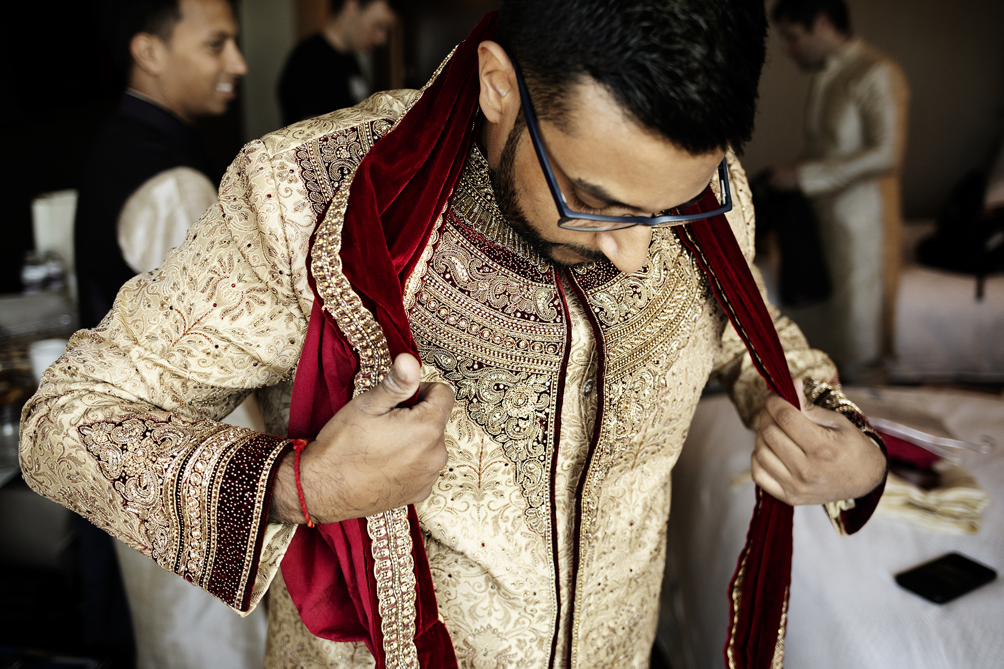 Groom's Indian Wedding Attire | Minneapolis Wedding Photos | Photography by Photogen Inc. | Eliesa Johnson | Luxury Wedding Photography Based in Minnesota