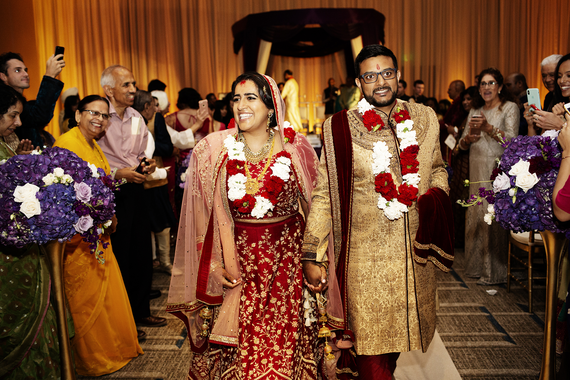 Indian Bride and Groom | Minneapolis Wedding Photos | Photography by Photogen Inc. | Eliesa Johnson | Luxury Wedding Photography Based in Minnesota
