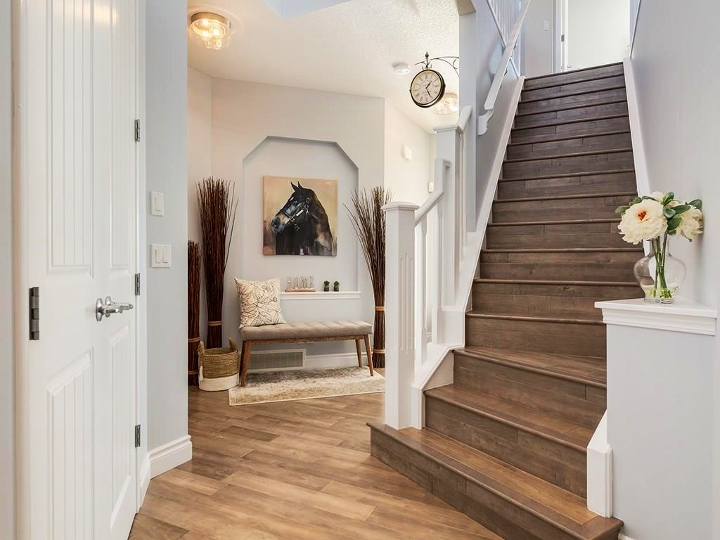 Foyer+1.jpg