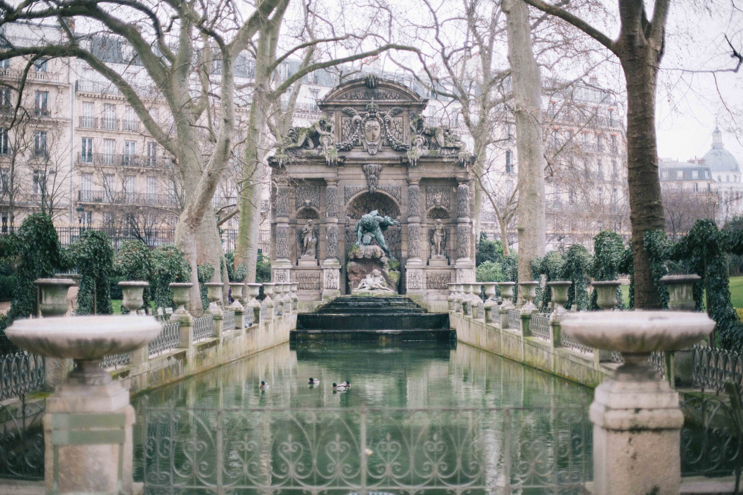 Charlotte Margot Photography Luxembourg Fountain in Paris