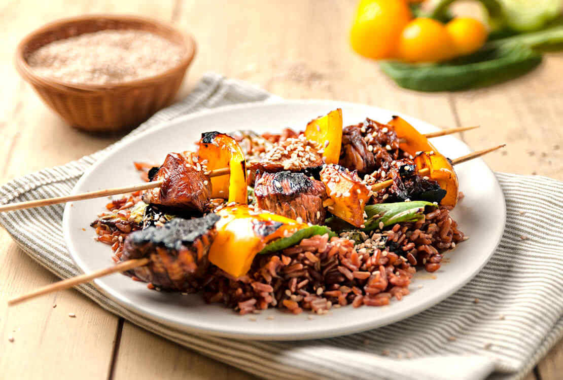 Tamarind-chicken---yellow-pepper-kebabs-with-red-rice_rs--1-.jpg
