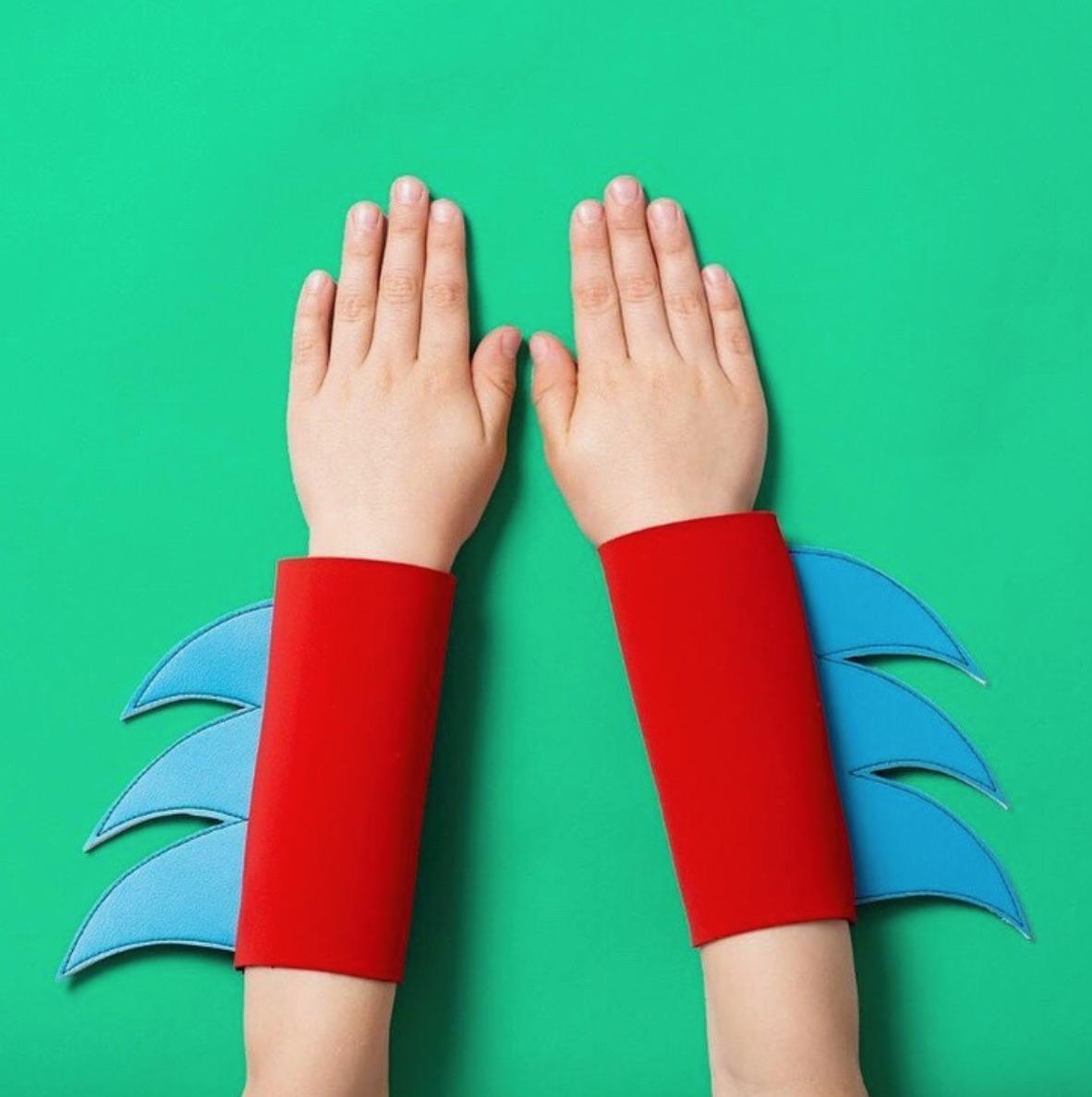 Superhero Cuffs : Iwishiwasa...