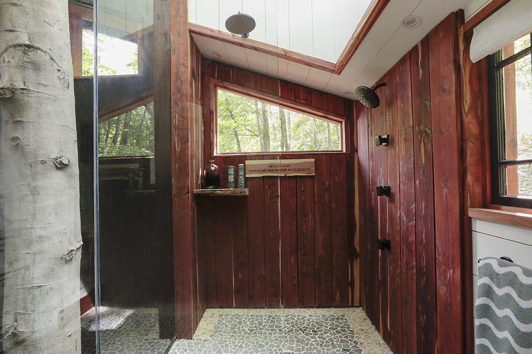 elements_treehouse_shower.jpg