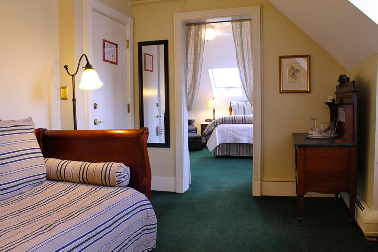 Suite Larkin- Room 10 with King Bed, Twin Daybed, separate soaking tup and shower- burlington, vt bed & breakfast