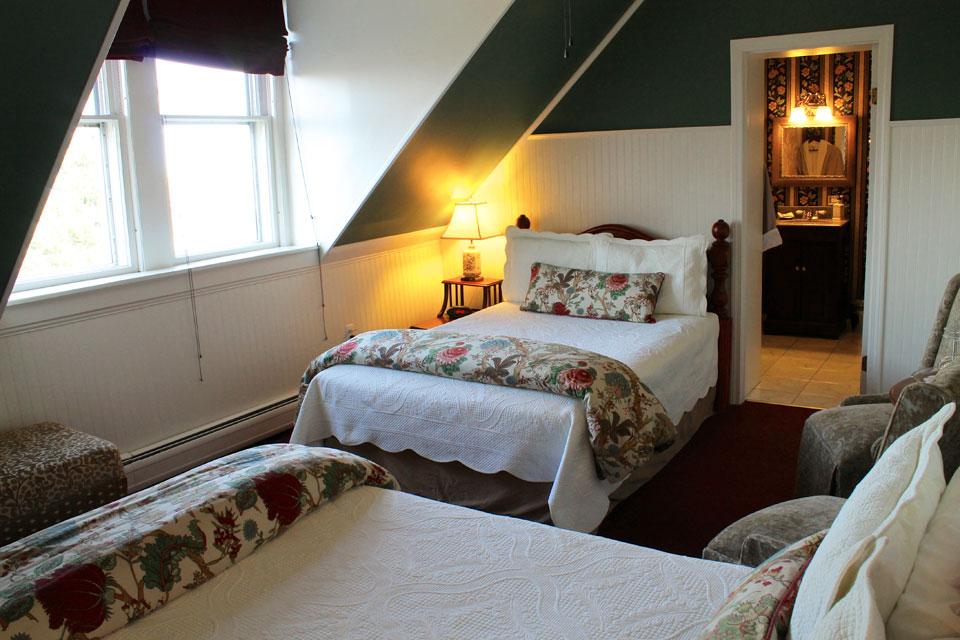 Adirondacks Room at the Willard Street Inn