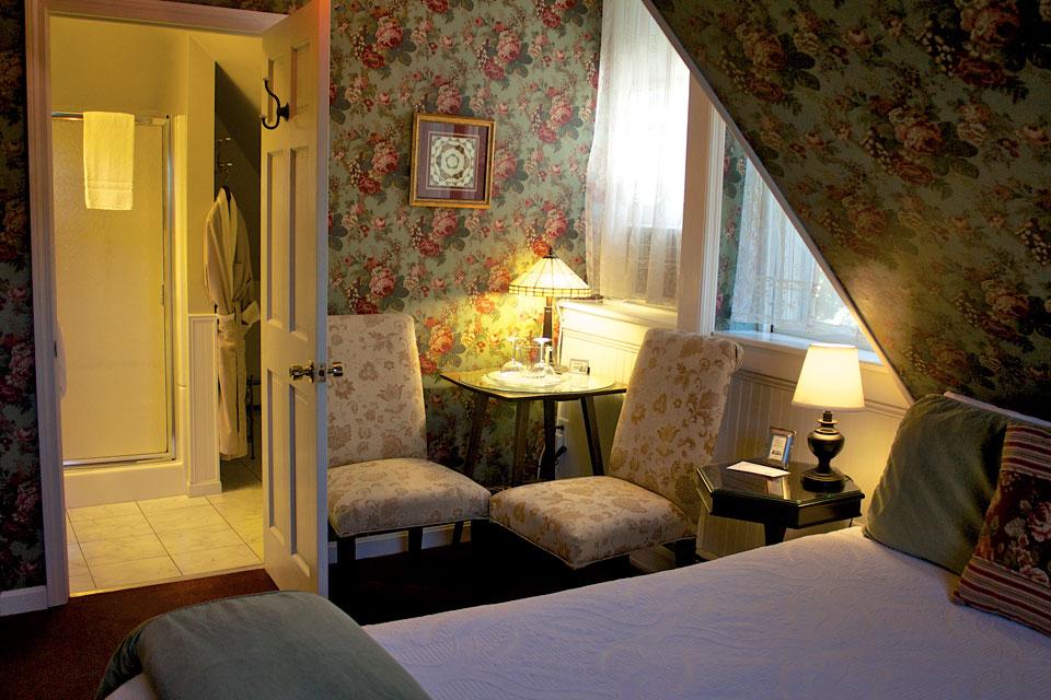 Willard Street Inn: Room 16 Alexandra's Alcove