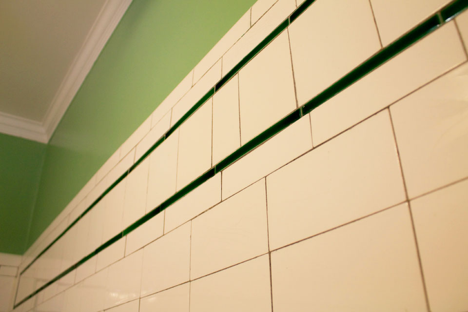Historic, Victorian styled subway tile in Nantucket Room at WSInn vermont.
