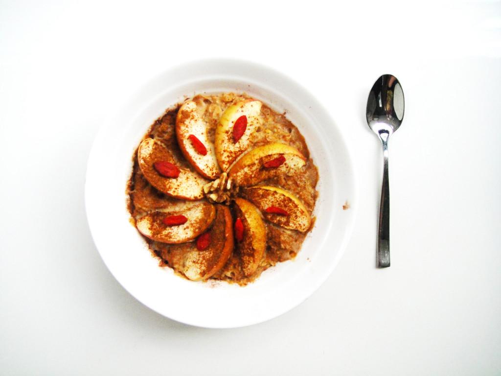 apple-and-cinnamon-baked-oatmeal-edited-1024x768.jpg
