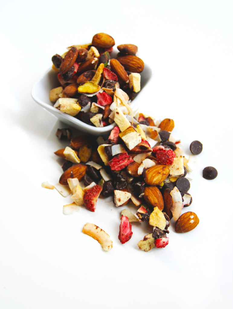 delux-trail-mix-edited-2-771x1024.jpg
