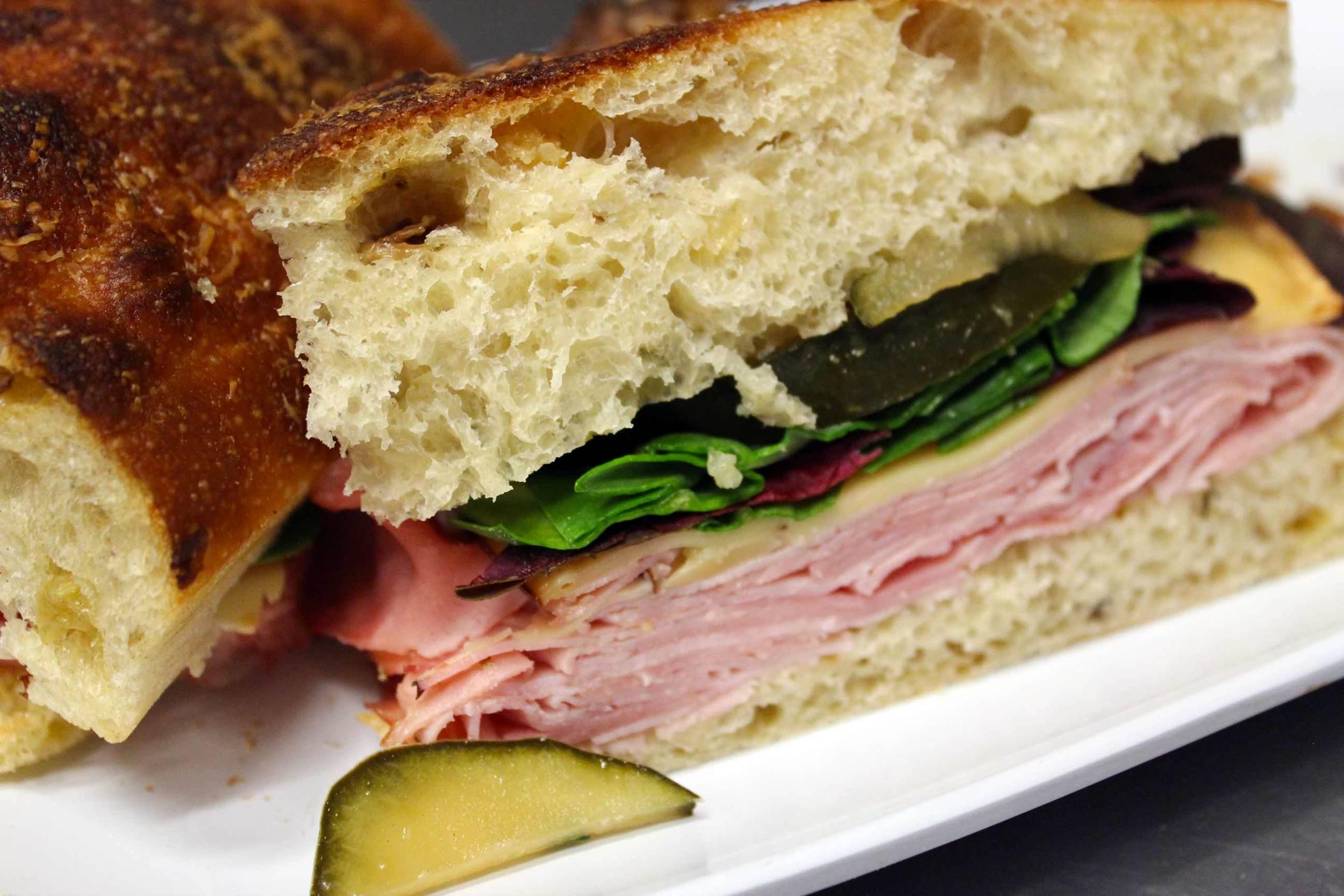 IMG_6211_Mtuccis_Italian_Ham_Sandwich.jpg