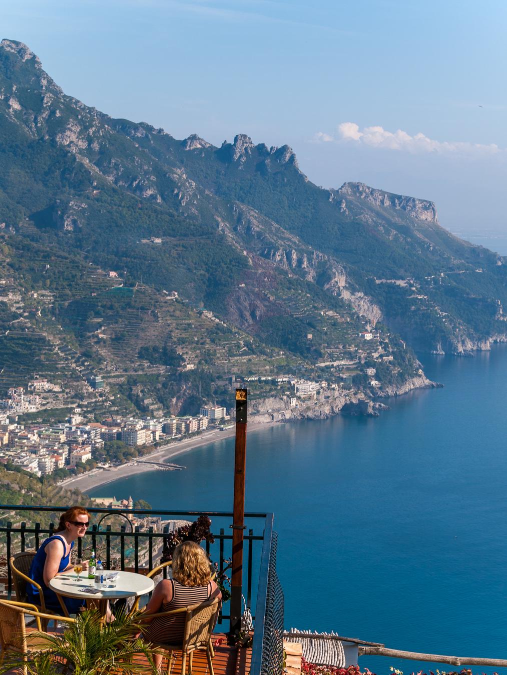 Al fresco dining on the Isle of Capri