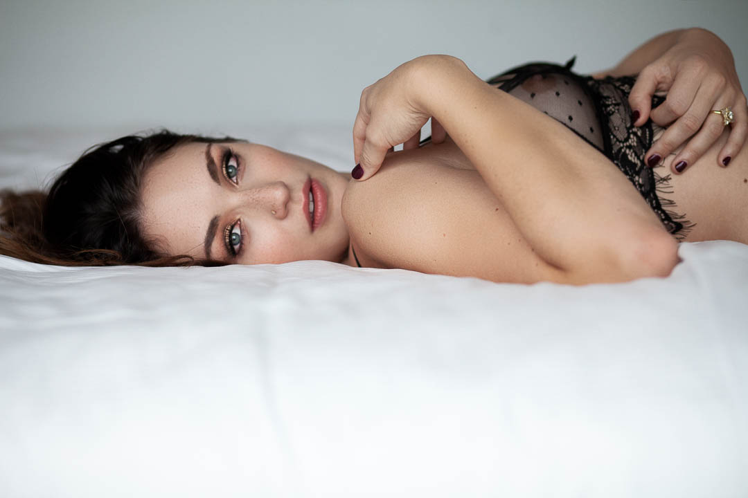 beautiful-woman-boudoir-photos.jpg