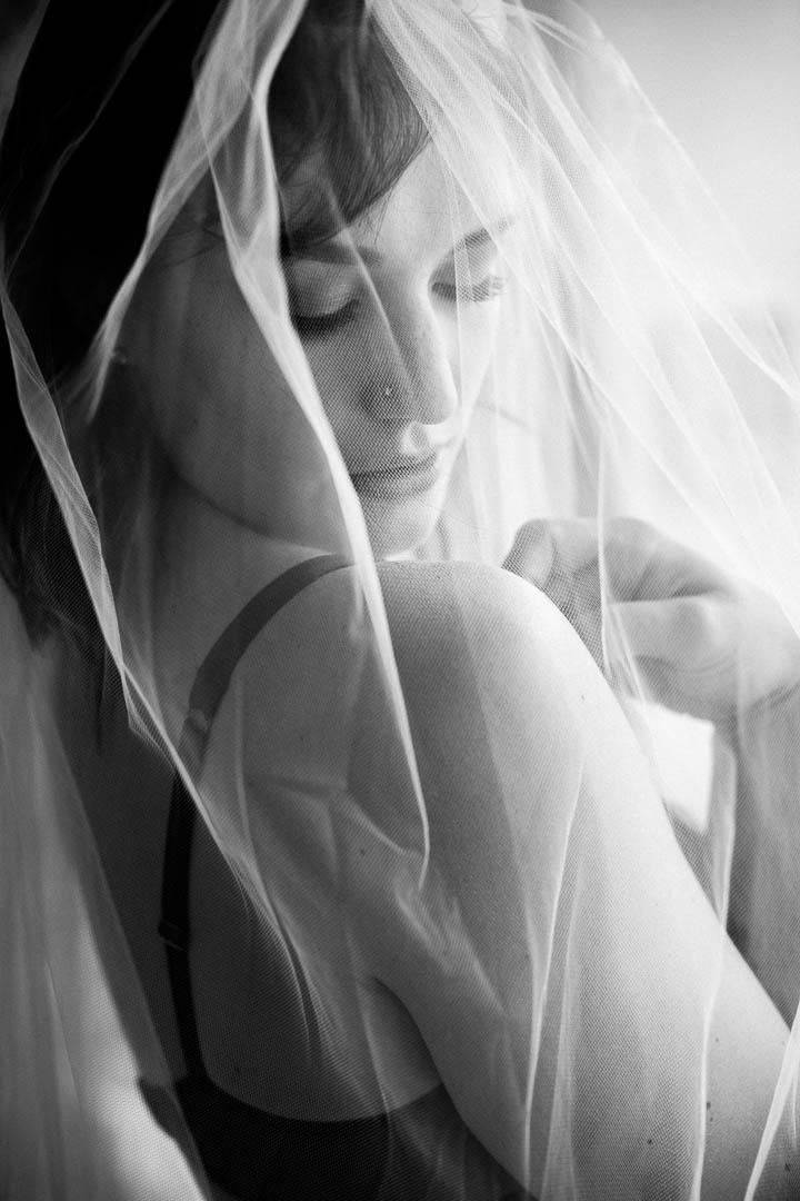 Brooklyn-bride-veil-boudoir_Brooklyn-boudoir_16.jpg