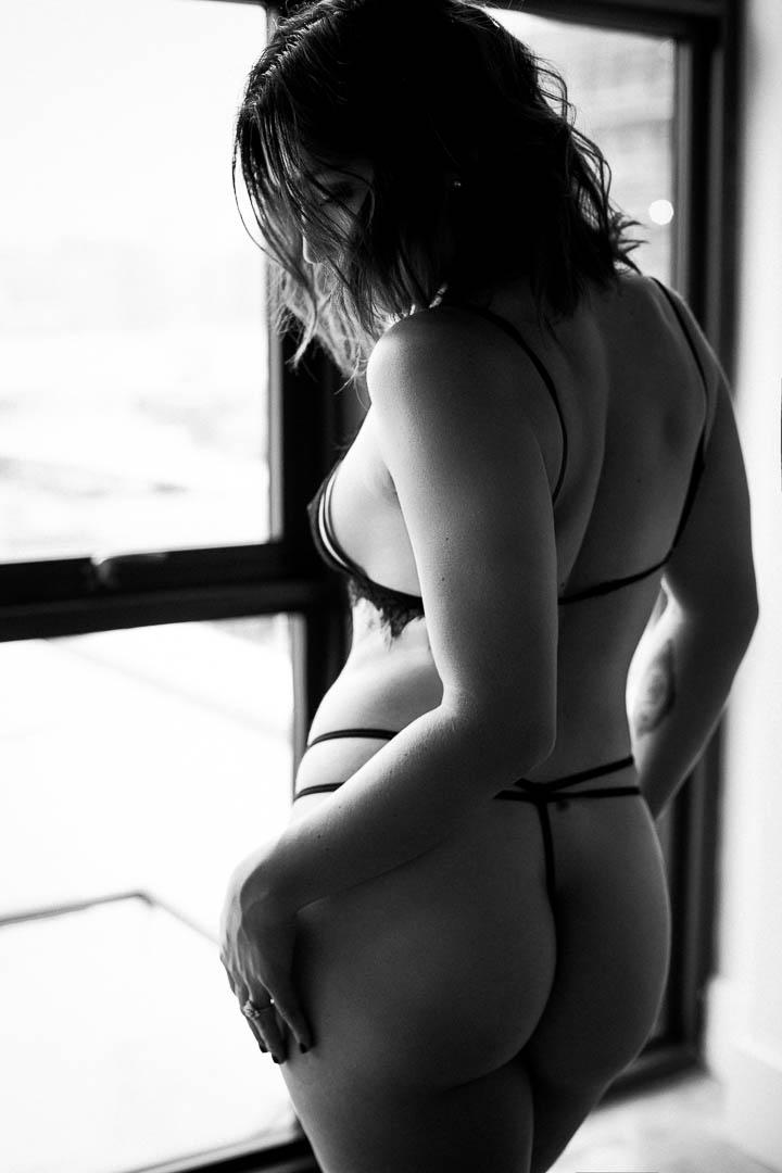 black&white-boudoir-photo-brooklyn.jpg