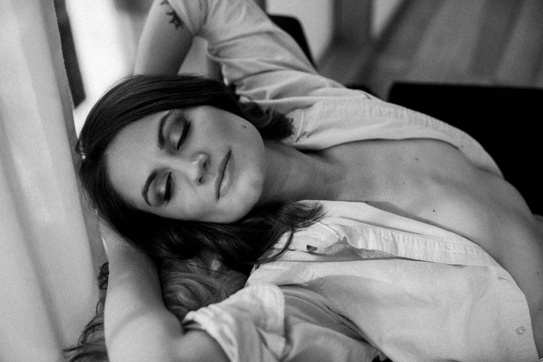 Woman-in-The-Rivington-Hotel-Brooklyn-NYC-Boudoir-Photography-IMG_0736-Edit.jpg