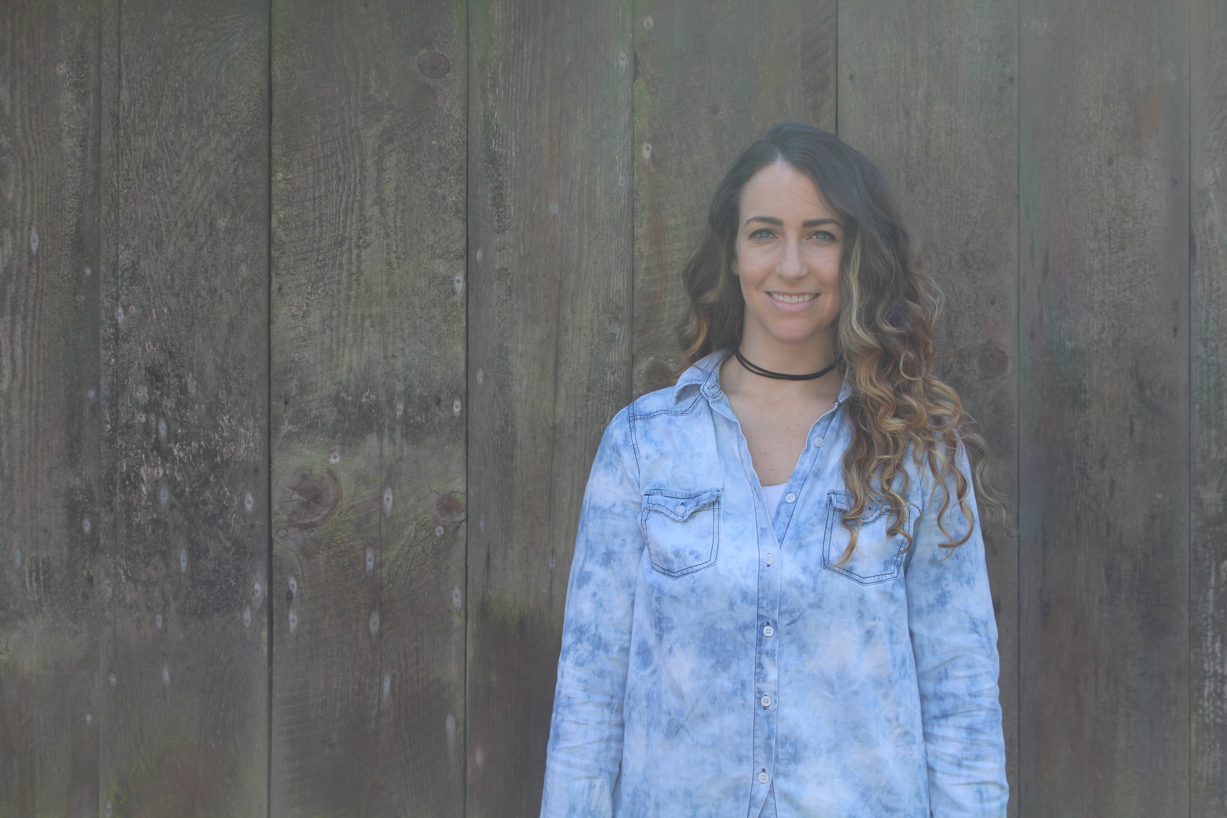 Bethany Gambardella is a Choreographer and mother of 2 girls.Wife to a bee keeper who loves white water rafting, crocheting and ping pong.