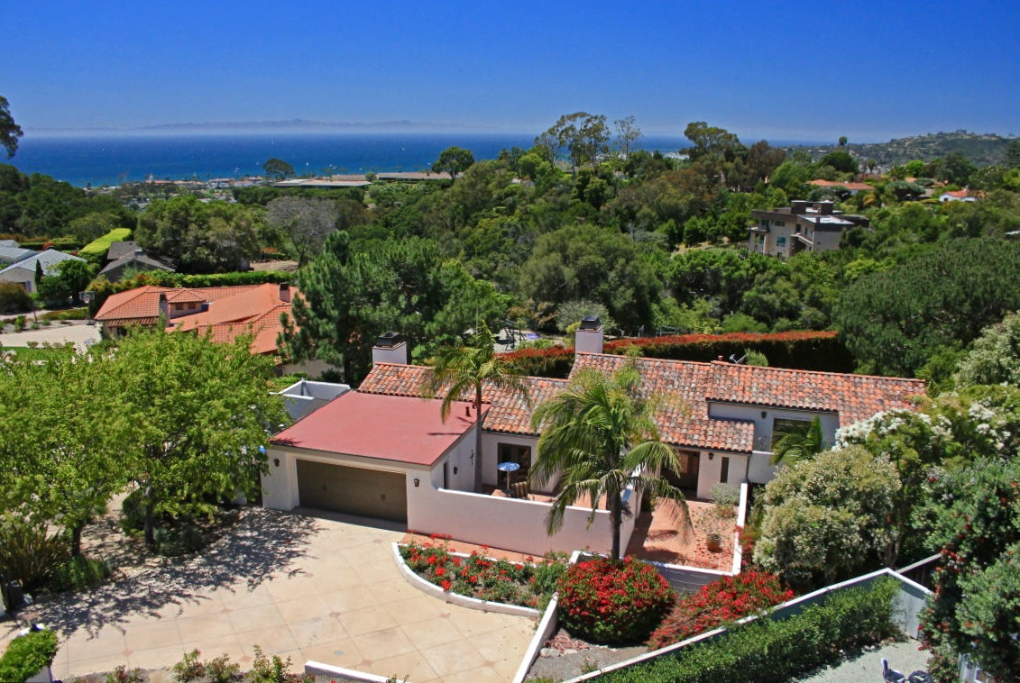 30 ALSTON PLACE OFFERED AT: $2,295,000