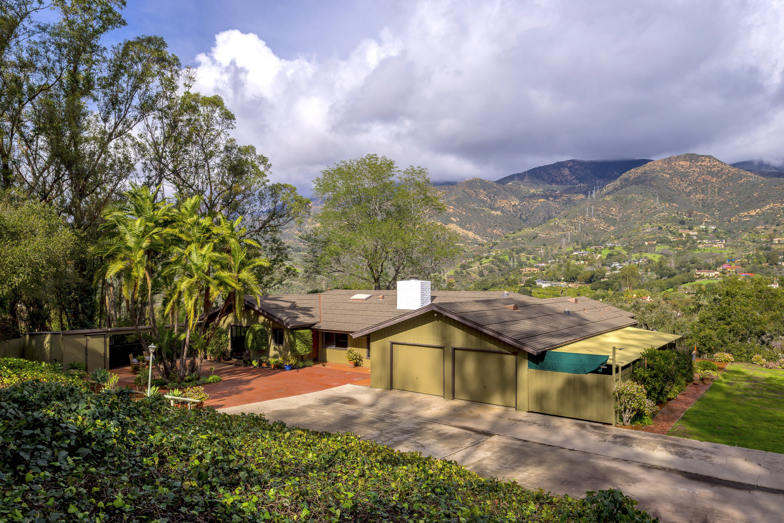 100 SOUTH SIERRA VISTA DRIVE OFFERED AT: $2,295,000