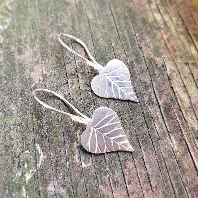 Engraved Leaf Earrings  #engraving #earrings #shiny #sterlingsilver #jewelry #jewellery #jewelrygram #maker #handmade #handmadejewelry #handfabricated #gift #closeup #lovetowork #etsy #etsyshop #jewels #freshoffthebench #treejewelry