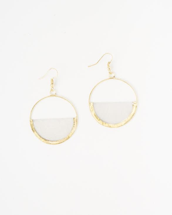 Advocates who raise $250 will receive a pair of our Grace Earrings, which are named after the strong women who made them in the Philippines. -