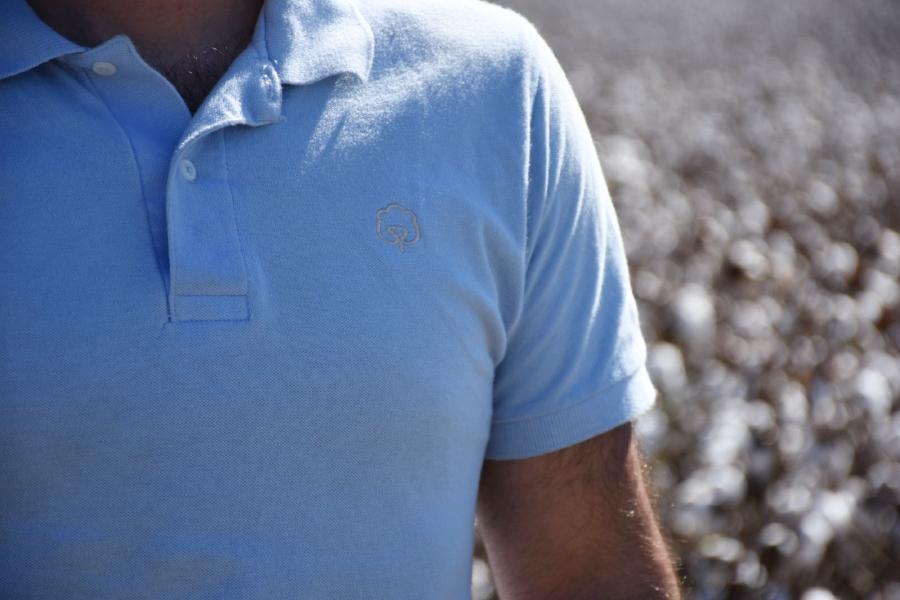 Phil is wearing the Homegrown Cotton Carolina Garnet shirt.