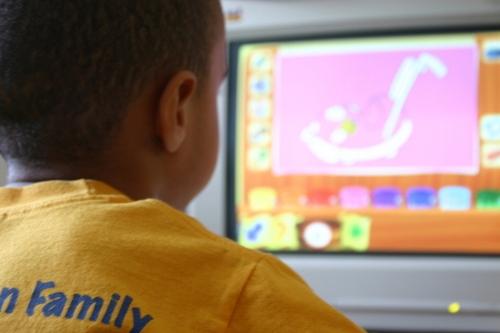 kids-computers-1-1437235-FreeImages.com-User-AnissaThompson.jpg